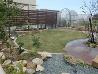 庭と玄関前の植栽工事 八代市T邸 2011年7月