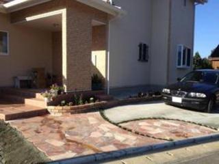 南欧風のおしゃれな駐車場(1期工事) 南阿蘇Y様邸 2012年10月
